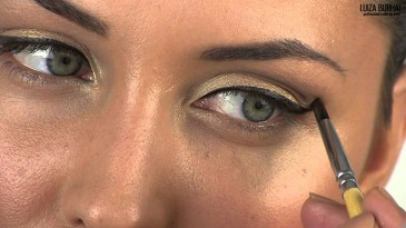 Every Woman with Deep Set Eyes Should Watch These Eyeshadow Tutorials